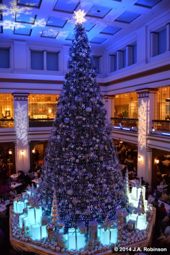 2014_12_24 Chicago Macy's Walnut Room Tree 1