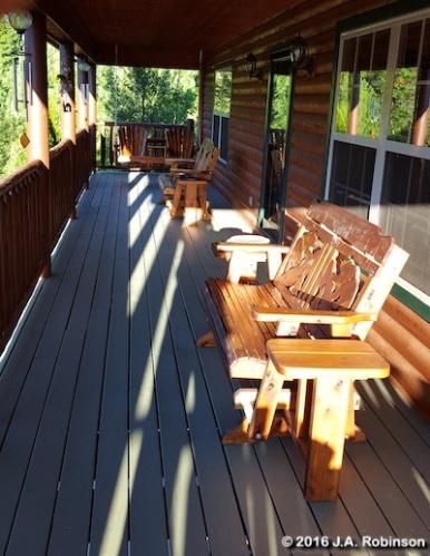 Cabin 2nd Floor Porch