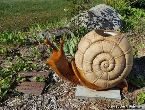 ceramic-snail
