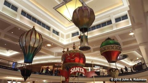 2016_12_16-santas-balloons
