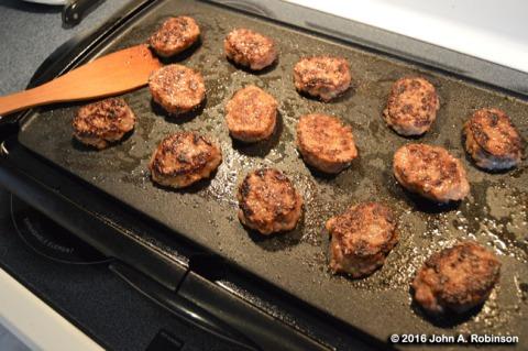 2016_12_30-frying-sausage
